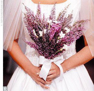 Fresh simple wild flowers for your rustic or garden outdoor wedding