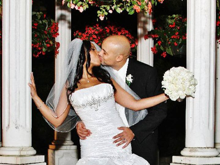 Tmx 1419125433958 Couple In Garden Small Bronx wedding planner