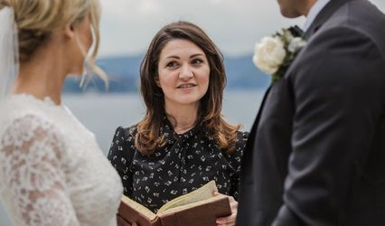 Tuscan Wedding Officiant 1
