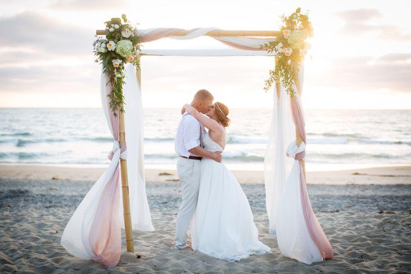 Dream beach wedding planning imperial beach ca weddingwire 800x800 1481662971453 dreamsetup canopyflowers junglespirit Image collections