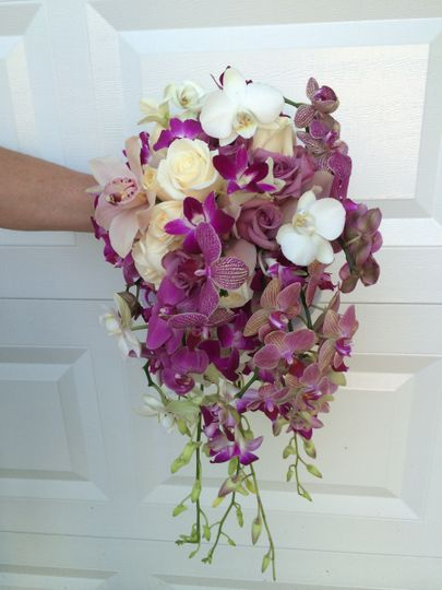 bride orchids and roses