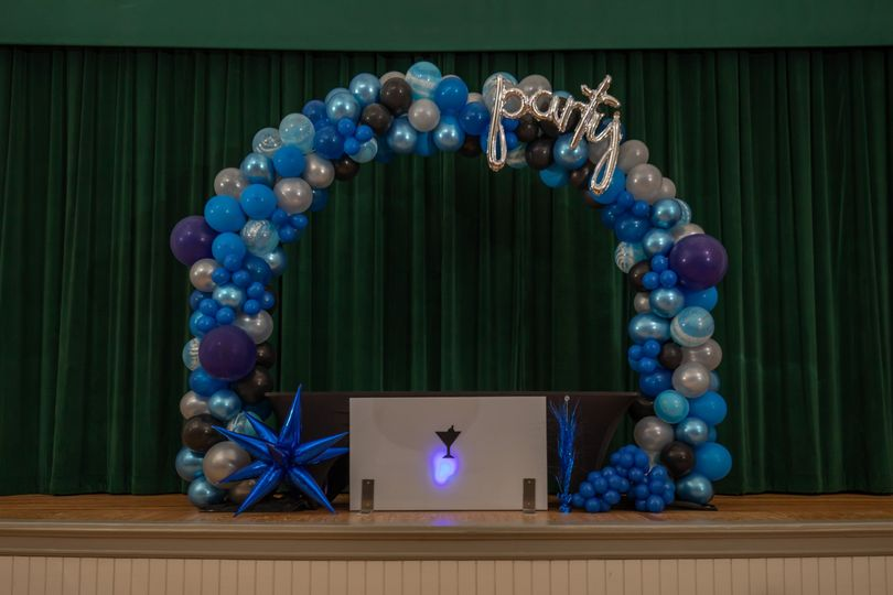 Stage with balloon arch