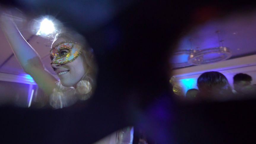 mask dancing shot 51 1065683 1560134613