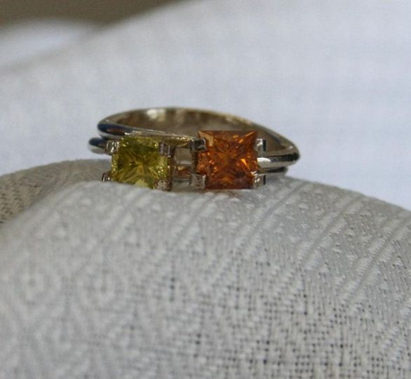 Example of our Yellow/Green and Cognac Diamonds