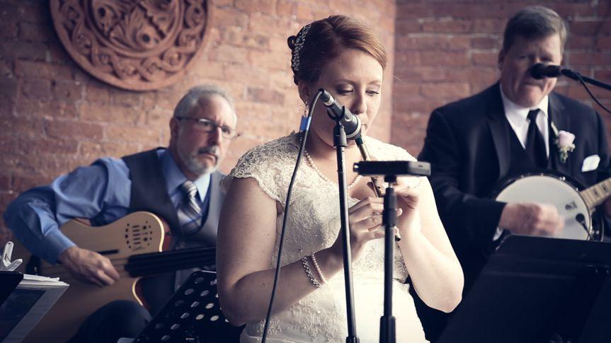 A Long Island Irish Wedding where the bride is also a musician.