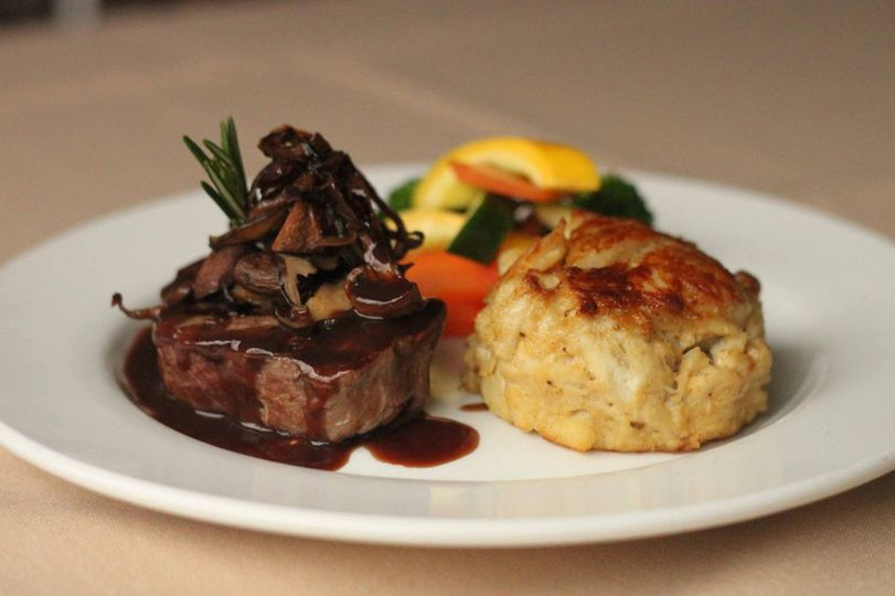 Beef tendorloin and crab cake