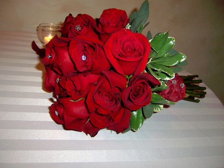 All Fresh Red Roses. Simple Classic.