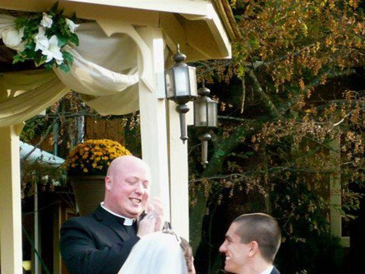 Tmx 1535647957 4f6852c4c3ba98b2 1535647956 F5a813b5d4393f6f 1535648007633 2 Smile10 Belmont wedding officiant