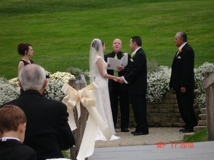 Tmx 1535647958 D1657c11a682eace 1535647956 Bd9f0e4d5294c1ce 1535648007635 5 Smile13 Belmont wedding officiant