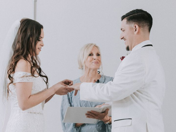Tmx Mg5d9582 51 1974783 160073264855410 Siesta Key, FL wedding officiant