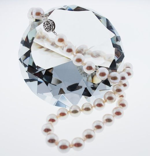 Look at those beauties glow. Classic pearls are never out of style!