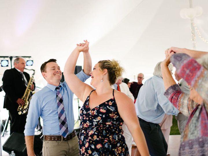Tmx 1515713814 3999598dbd629212 1515713813 B7eb0b6fdead81c8 1515713813176 1 800x800 The Waiter Portland wedding band