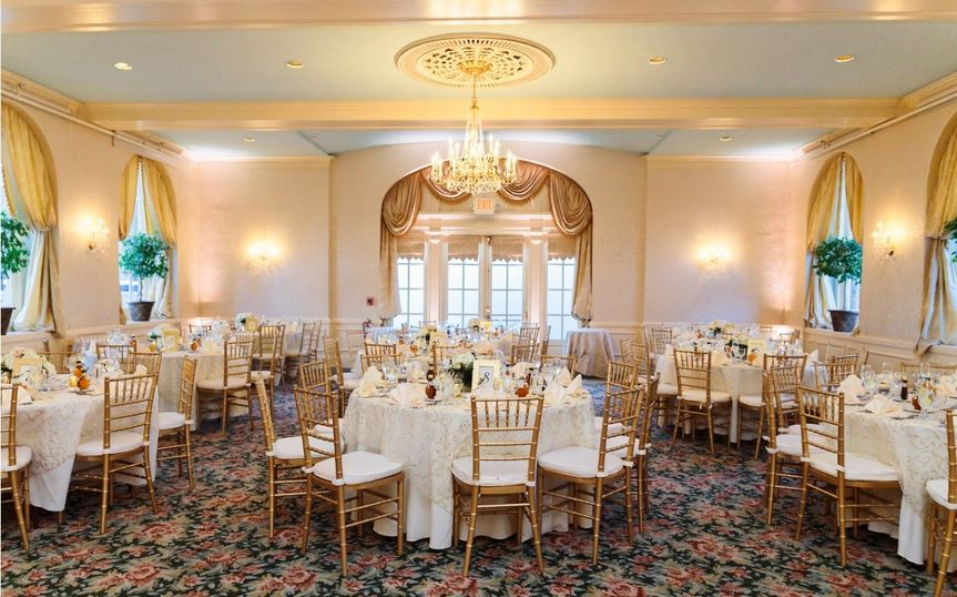 Hotel northampton venue northampton ma weddingwire 800x800 1512830764412 photo avick katlynbretthumphreychurcoother7 800x800 1512587365346 wedding junglespirit Choice Image