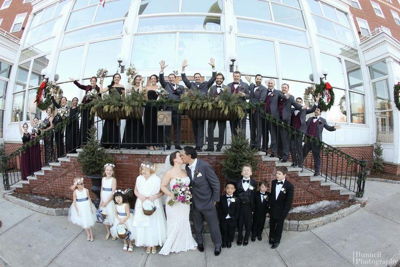 4e44a43bf64e4dc9 1523469979 219f8040f4fc13f6 1523469908764 2 Winter Wedding Fro