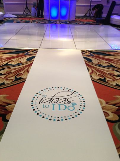 Ugly carpet? No problem, make a statement with your aisle runner