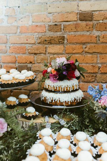 Nothing Bundt Cakes, Minnetonka