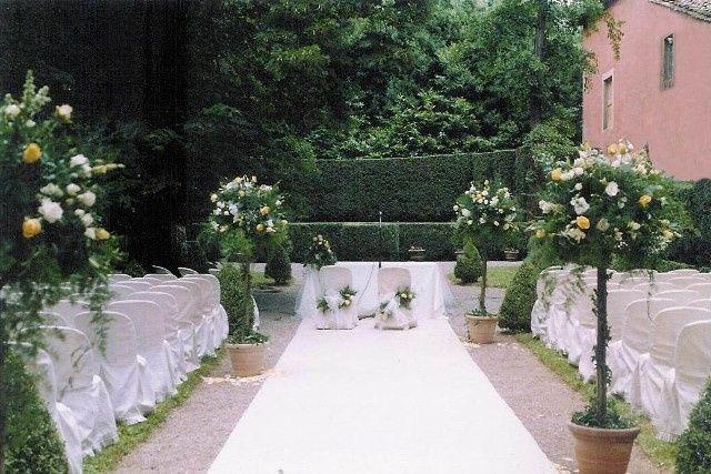Ceremony in the Box-hedge Theatre (Villa Grabau)