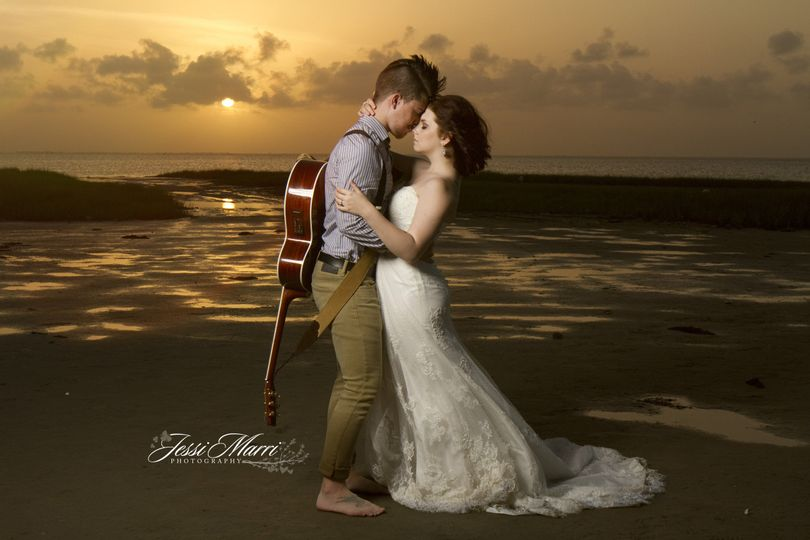 guitarsunsetwedding