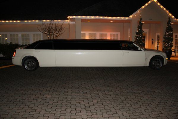 Wedding Limo Chrysler 300 up to 10 passengers with Tiffany interior
