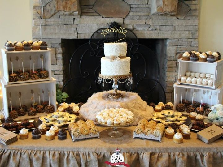Tmx 1445362191232 Cake10 Palmdale wedding cake