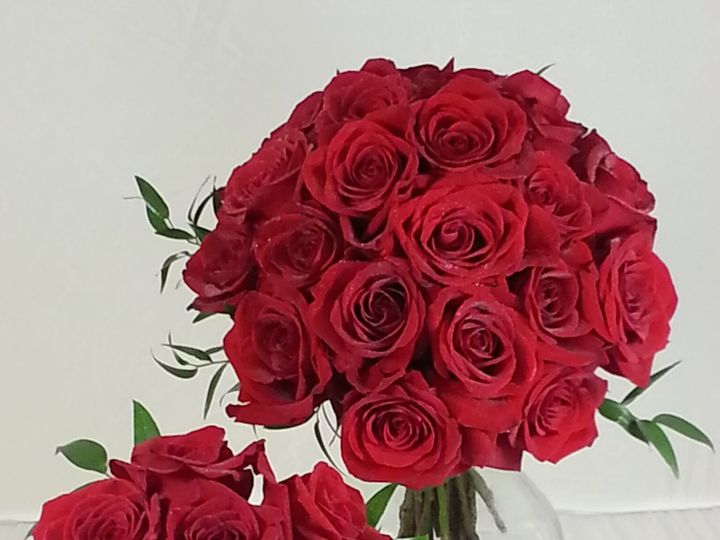 Tmx 1474913137532 Bride And Maid Red Roses 92016 Bensalem wedding florist