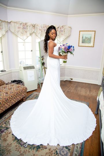 A portrait of the bride (Allure Media Group)