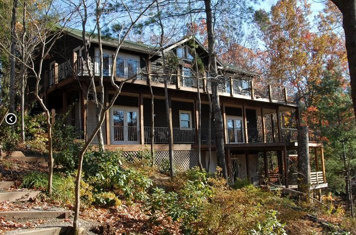 Exterior view of Lodge on Lake Lure