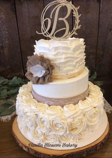 luneke wedding cake 10 19 19 51 983983 1571714177