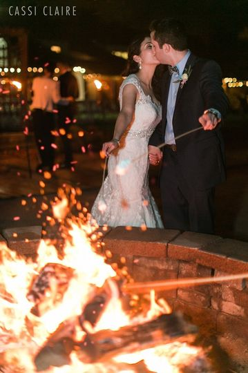 S'mores make every wedding complete!