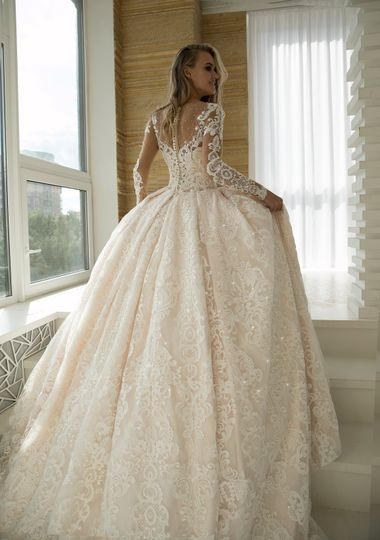 Wedding Dress Fantasy (Couture De Bride)