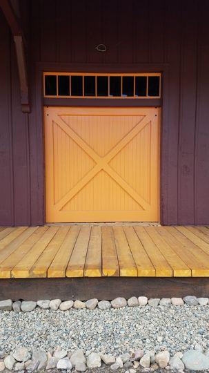 Sliding freight doors