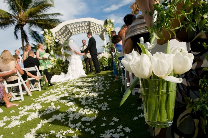 Aisle decor at ocean view gazebo at Grand Hyatt Kauai Resort & Spa