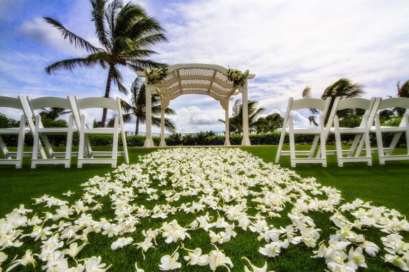 800x800 1377724950385 wedding gazebo wide sm