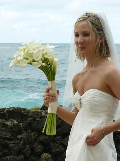 puerto rico destination wedding. all white calla lilies