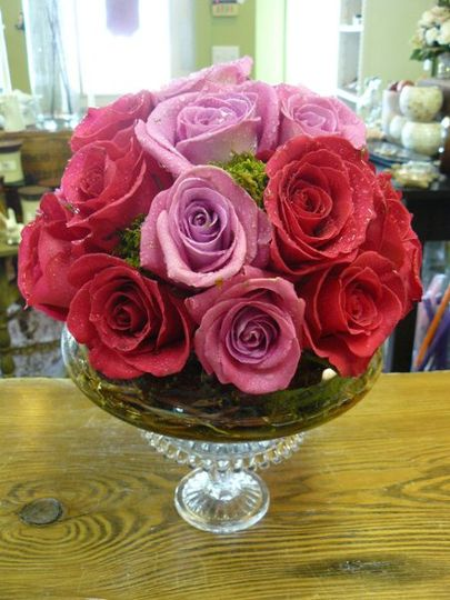 pedestal rose mound, shades of pink
