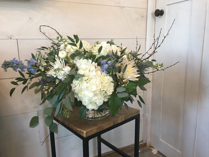 Tmx Img 03444233 51 1072093 158083165967036 Wolfeboro, NH wedding florist