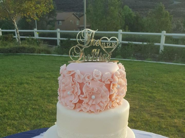 Tmx 1492753494580 Photo Nov 14 9 22 50 Am 1 Corona wedding cake