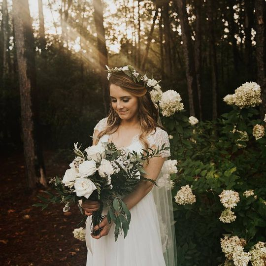 White bouquet and halo