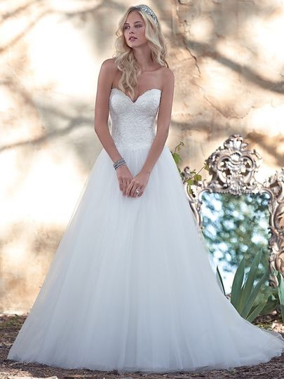Dalis Bridal - Dress & Attire - Ocala, FL - WeddingWire