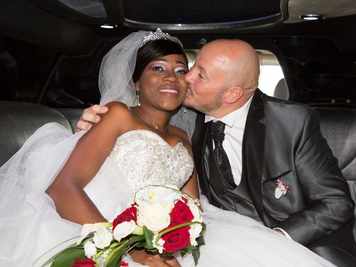 Tmx Wedding Couple In Car 51 355093 159193879721659 Seattle, WA wedding band