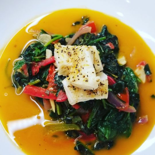 Halibut x veggie saffron broth