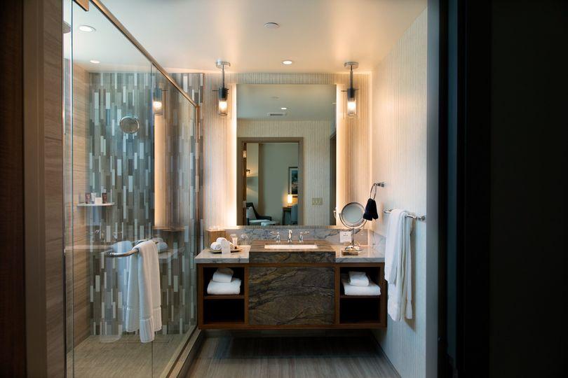 Premier Suite Bathroom