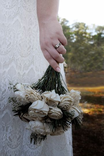 Brides Ring + Bouquet