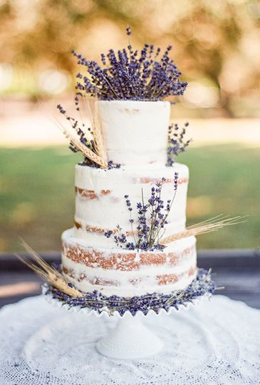 Lavender-inspired wedding cake