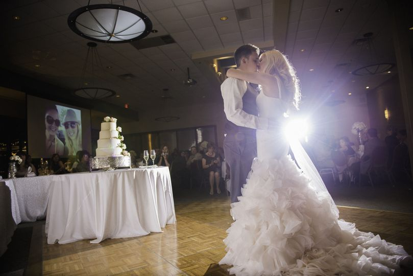 58f2ca74c9d20178 1427478984408 kahns catering real weddings at montage 13