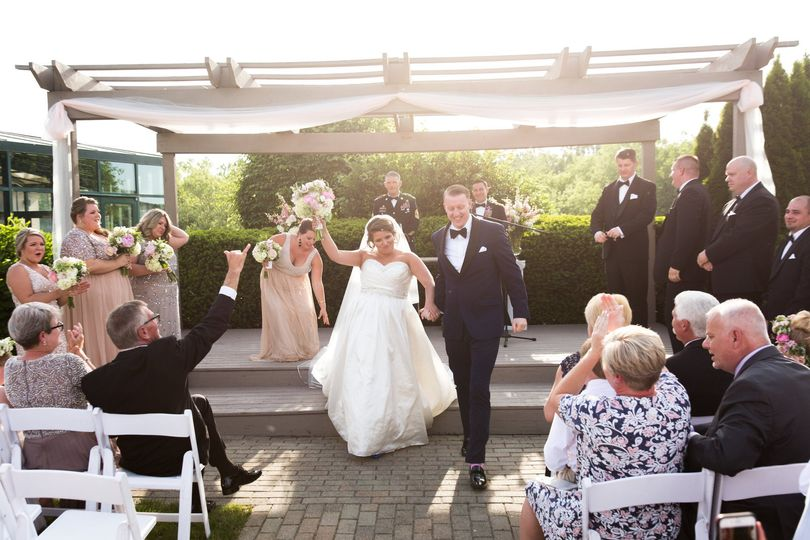montage outside ceremony kahns catering 14 burt co 51 405193 1567686750