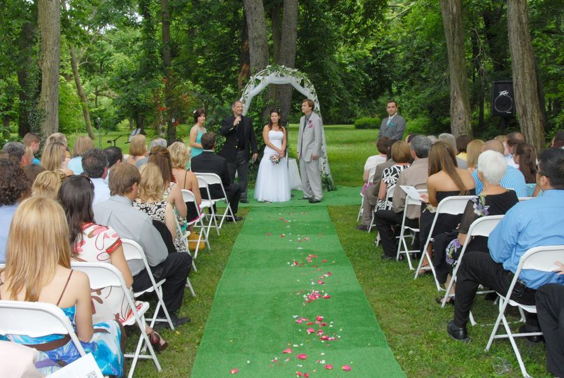 Green wedding isle