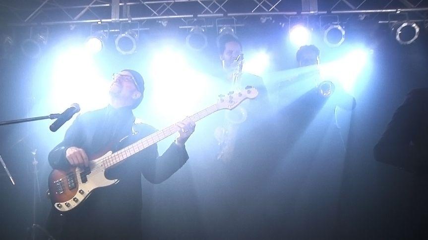 The wedding guitarists
