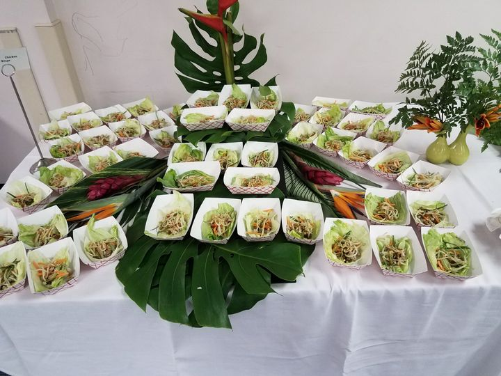 Chicken lettuce wrap display