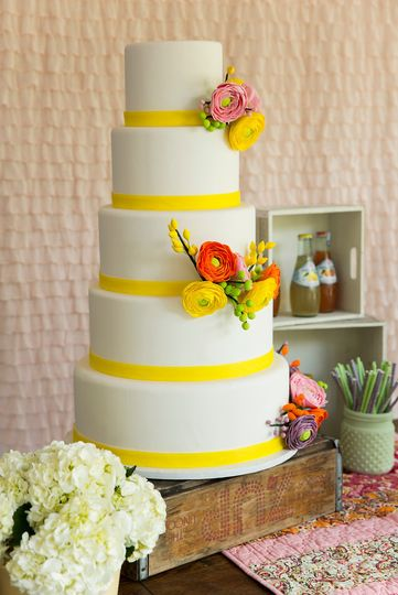 Gigi\'s Cupcakes - Wedding Cake - Spring, TX - WeddingWire